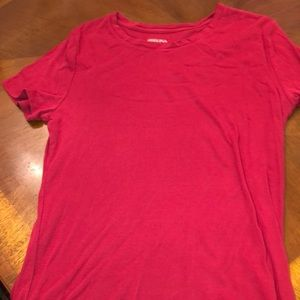 Short sleeve crimson tee. Longer hem. Scoop neck.